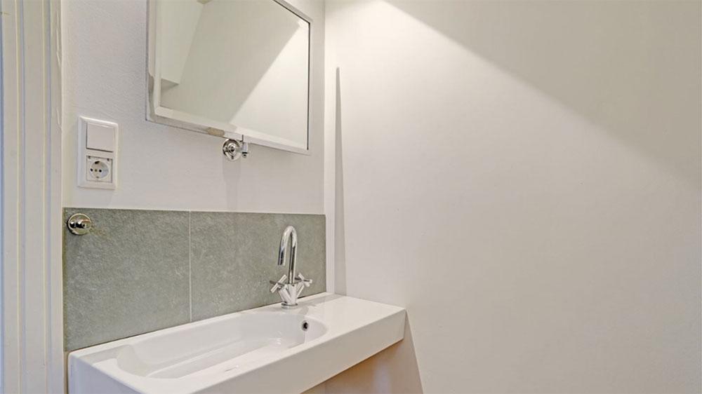 Herengracht apartments amsterdam bathroom mirror app 2