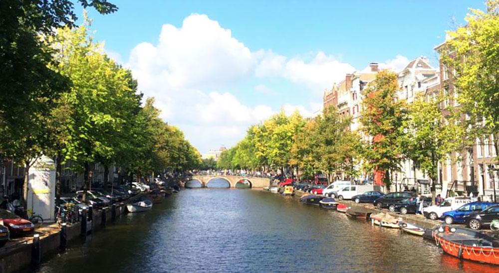 Herengracht apartments amsterdam gracht
